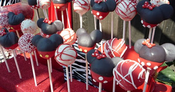 Mickey Mouse Cake Pops Disney