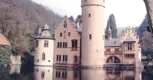 i had seen castles Rylant, c (2004) i have seen castles harcourt in this novel for older children, cynthia rylant writes from the perspective of john dante, a man who is in his 60s and is reflecting upon his young years as a soldier.
