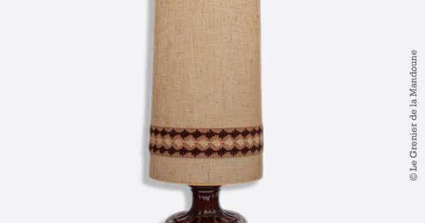 tr s grande lampe vintage ann es 70 pied en c ramique et abat jour tissu lampe de sol typique. Black Bedroom Furniture Sets. Home Design Ideas
