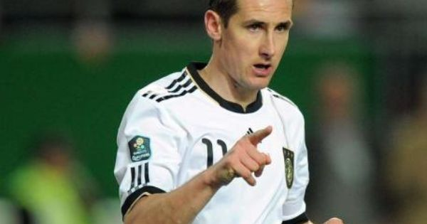 Jogi Low Hat Sich Entschieden Torwart Zieler Fur Em Nominiert Deutsche Nationalmannschaft Deutsche Fussballnationalmannschaft Und Fussball