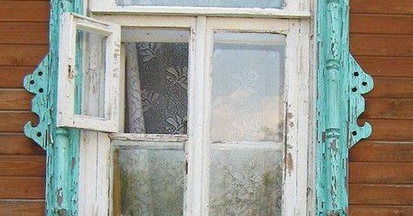 Love the vintage window frame