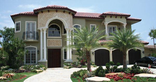 Felipe sunbelt luxury home the balcony circles and style for Sunbelt homes