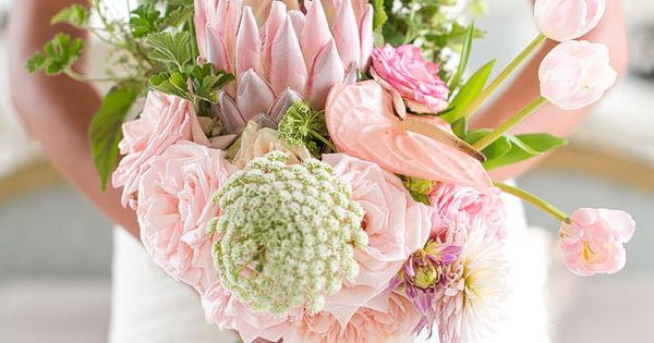 Perfect Sprint Protea Bouquet by Anli Wahl / Totally Gorgeous Glitter Blush