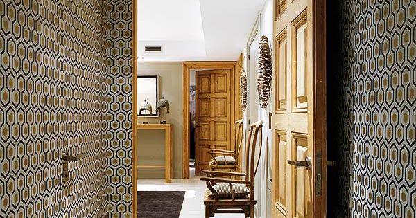 Papier peint hicks hexagon cole and son couloir for Tapisserie originale couloir