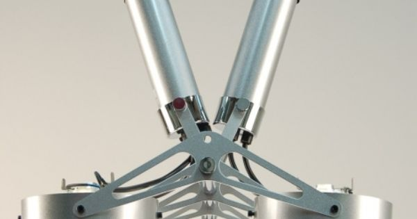 Industriele plafondlamp met 4 grote spots te vergelijken met studio en toneelverlichting is - Deco hoofdslaapkamer ...