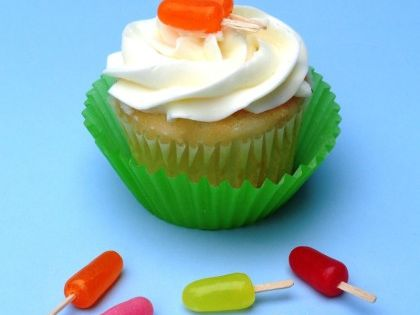 These cute little popsicle cupcake toppers were made from flat toothpicks pushed