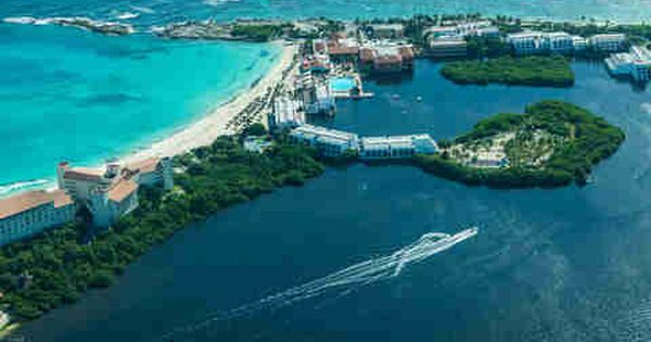 The Roaring Us Dollar Is Making Mexico Dirt Cheap Right Now Visit Cancun Cancun Trip Cancun