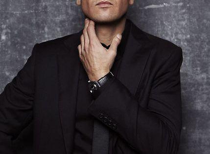 Jeremy Lee Renner...celebrity crush, most def.