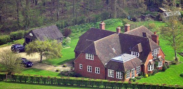 Royalty Kate Middleton 39 S Family Home In Bucklebury