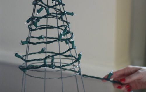 17 Apart: DIY: Tomato Cage Christmas Tree Lights