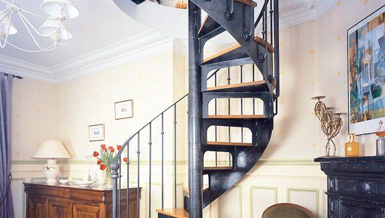 escalier en colima on en acier et bois spir 39 d co bistrot marches type t le lisse formant. Black Bedroom Furniture Sets. Home Design Ideas