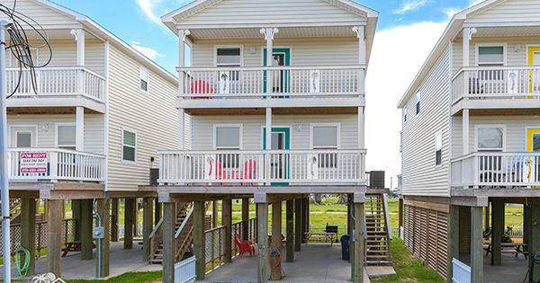 New Moon Patio Home Beach House Rental In Surfside Beach Tx 3 Bedrooms 3 Bathrooms Sleeps 10 Beach House Rental Beach House Vacation Surfside Beach