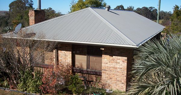 Tranquil Rural Residence Near Clarencetown Nsw Roof In Colorbond Bushland And Gutter And Fascia In Colorbond Eveni Roof Colors Exterior Colors Indoor Outdoor