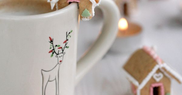 Mini gingerbread house for hot chocolate cups! Oh they're SO cute!