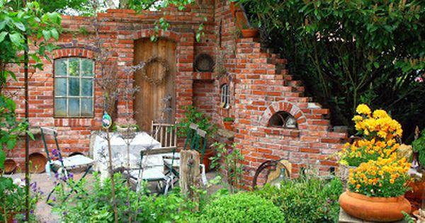 gartenruine ruinenmauern mauer im garten herrlich romantisch und praktisch. Black Bedroom Furniture Sets. Home Design Ideas