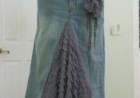 Ruffled denim jeans skirt. Possible new life for busted jeans?