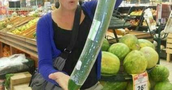 The worlds largest cucumber! =-O   OMG!!! Pictures ...