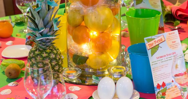 Best 25 Caribbean Party Ideas On Pinterest: Caribbean Tropical Beach Party Table Displays