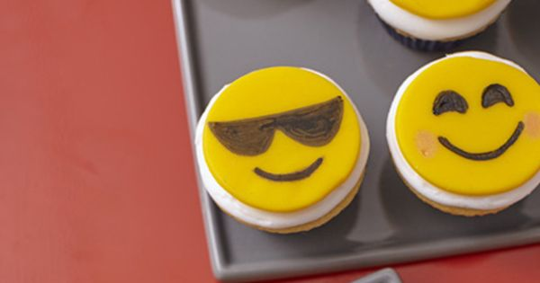 how to make emoji cupcakes without fondant
