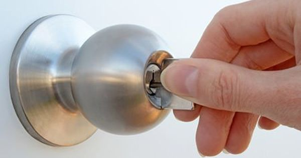 Don T Fear The Wait Times And Locksmith Costs If Your Key Snaps Off Into A Lock A Few Unusual Tools Can Hel Emergency Locksmith Commercial Locksmith Locksmith