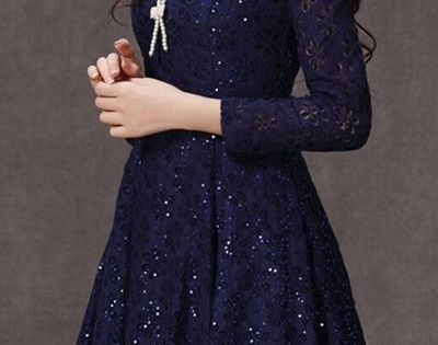 Elegant style. Blue long sleeved floral printed dress