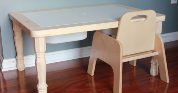 Ikea flisat children 39 s table hack for a montessori weaning for Ikea montessori hack