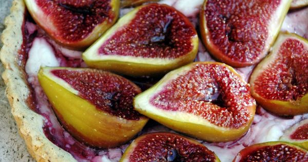 Rustic tarte with figs and goat healthy Dessert Dessert health Dessert| http://awesome-perfect-desserts.blogspot.com