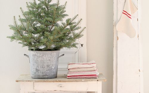 Dreamy Whites Christmas tree