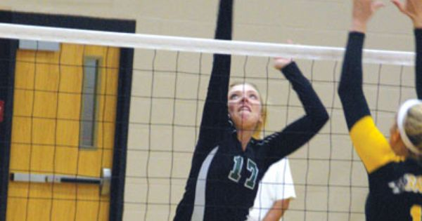 Kyle Shaner Advocate Photo Greenville Volleyball Player Logan Emerick Goes Up For A Spike During A Sectional Tournament Volleyball Players Greenville Advocate