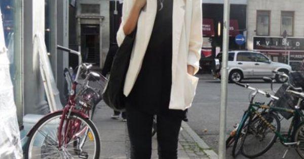 Black ankle pants, skinny pants, white blazer, outfit