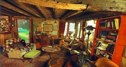 The Burrow Was The Family Home Of The Weasley Family Located On