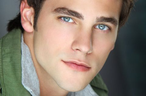 Brant Daugherty is Noel Kahn on Pretty Little Liars. Who cares if