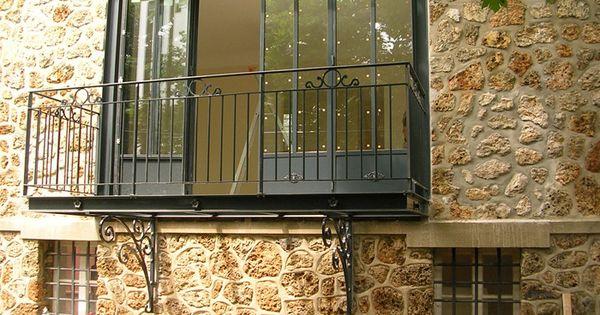 Bow windows turpin longueville exemple suspendu adoss for Porte fenetre en anglais