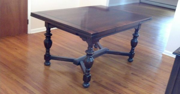 I Have A 1940s Vintage Solid Mahogany Dining Room Set That Antique Dining Room Furniture Antique Dining Rooms Walnut Dining Room