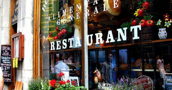 Vieux montr al old montreal 15 restaurante for Piscina jose garces