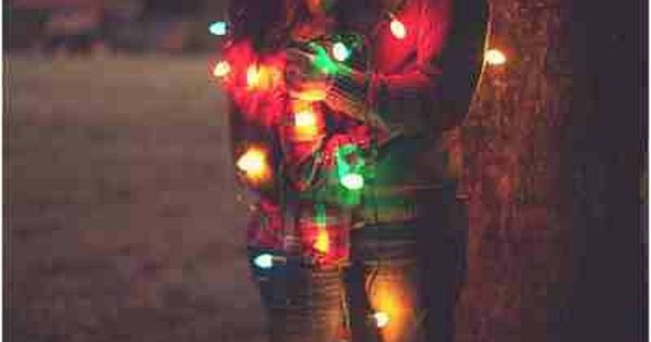 Engagement Photo Idea: Christmas Lights | Bride Ideas