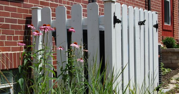 To hide propane tank garden pinterest to be hide air conditioner and picket fences - Garden ideas to hide fence ...