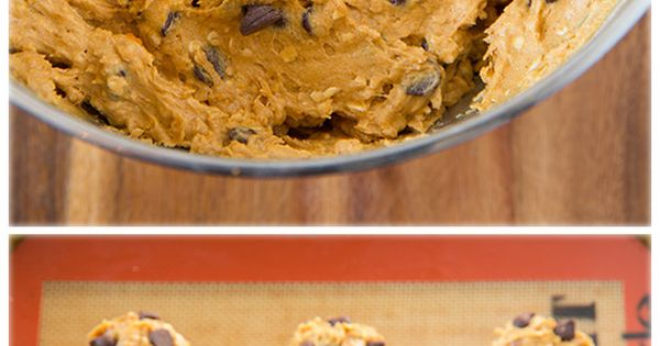 Pumpkin-Oat Chocolate Chip Cookies - these are my new favorite pumpkin cookies!