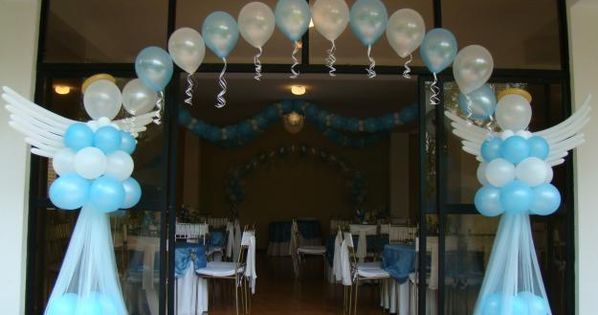 Baby shower decorado con angeles de globos y tul for Decoraciones para bautizos bautizo decoracion