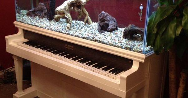 endroits propices où placer l' aquarium maison  Piano, Interieur ...