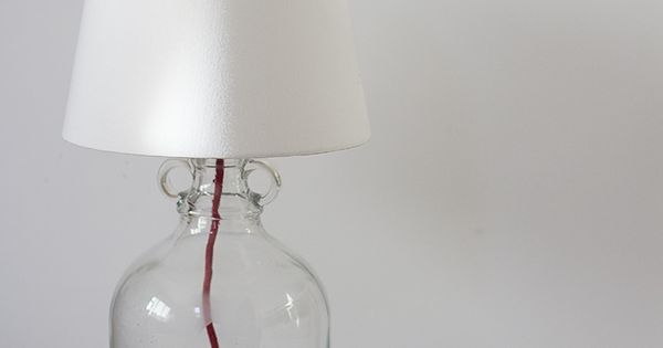 Diy l mpara de mesa con una damajuana l mparas de mesa - Como hacer una lampara de mesa ...