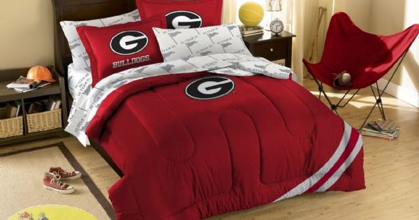 Northwest georgia bulldogs twin full embroidered comforter for Georgia bulldog bedroom ideas
