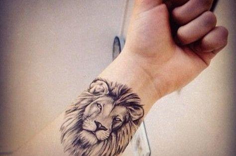 joli t te de lion r aliste tatou sur le poignet tatouage signe du zodiaque lion pinterest. Black Bedroom Furniture Sets. Home Design Ideas