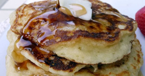 Greek Yogurt Pancakes - only 4 ingredients: 6 oz greek yogurt, 1
