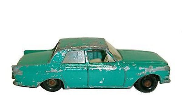 Vintage Matchbox No 33 Ford Zephyr 6 Made In England By Lesney With Images Diecast Cars Matchbox Diecast