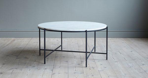 Runt Soffbord Med Underrede I Svart Pulverlackerad Stal Och Toppskiva I Vit Marmor Kaffebord Soffbord Tabeller