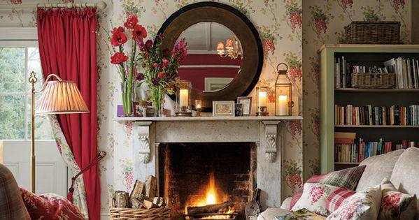 wisteria cranberry floral wallpaper k nstlicher kamin wohnideen und zukunft. Black Bedroom Furniture Sets. Home Design Ideas