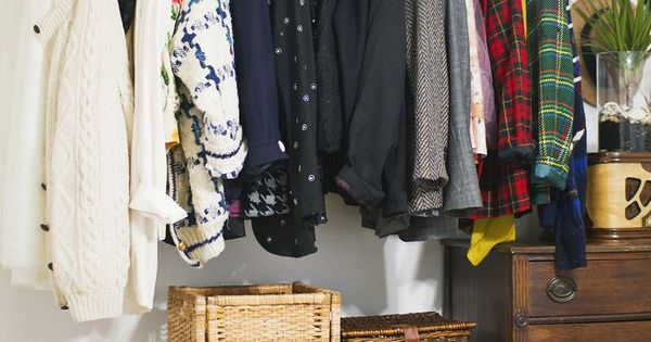 Hanging Copper Pipe Clothing Rack DIY I like this idea for our