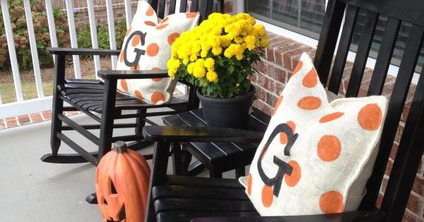 polka dot monogrammed fall pillows for front porch. love!