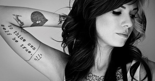 Im so obsessed with Christina Perri she's beautiful
